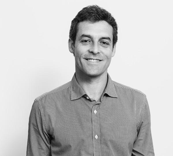 Octavio Cabrera, Abogado y Asesor Fiscal